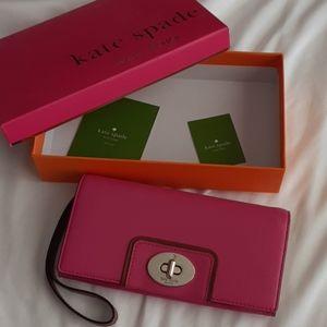 Kate spade wristlet wallet pink